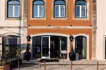 4* Hotel Vila Galé Porto Ribeira (from €144 per night)