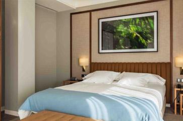 4* Hotel Vincci Porto (from €145 per night)
